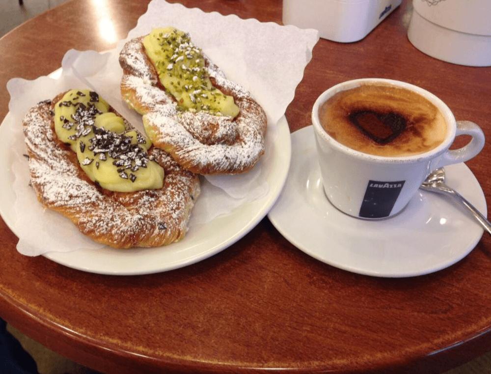 colazione cafe des amis bar caffetteria fregene